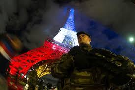 Un'arma utilizzata negli attacchi di Parigi del 13 novembre proviene da un fornitore d'armi in stretto contatto con laCIA